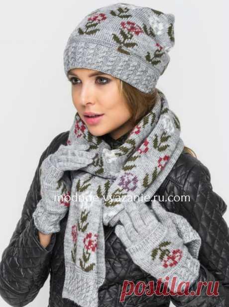 Модные шапочки спицами с жаккардом из цветов и роз - Klubok - Modnoe Vyazanie.ru.com