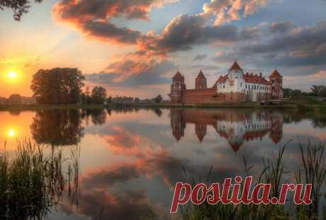 Мирский замок, Беларусь. Автор фото – Александр Атоян: nat-geo.ru/photo/user/116552/