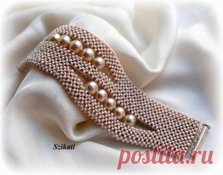 Beaded beige seed bead pearl cuff bracelet, OOAK jewelry, Right Angle Weave