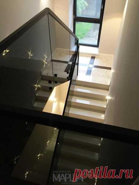 Лестницы, ограждения, перила из стекла, дерева, металла Маршаг – Самонесущие черные перила