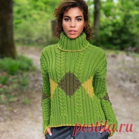 Свитер с «косами» и цветными ромбами | Вязание для женщин спицами. Схемы вязания спицами Выразительные контрасты создает сочетание узоров и оттенков. Цветные ромбы здесь гармонируют с резинкой и «косами» — результатом стал модный спортивный свитер.Размеры34/36 (38/40)ВАМ ПОТРЕБУЕТСЯПряжа (60% натуральной шерсти, 40% полиакрила; 100 м/100 г) — 1200 (1300) г...