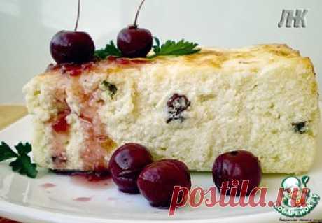Творожная запеканка со сметанным кремом и ягодами - кулинарный рецепт