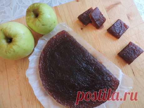 La MERMELADA DE MANZANA En la MULTICOCCIÓN - Para aquellos quien lucha con la cosecha de las manzanas. Hoy mi asistente la multicocción. Recurro raramente a sus servicios, pero en la cocción de la mermelada de manzana ella no zamenima. El gusto de la infancia.\u000a\u000aQue nuzhno: - las Manzanas - 8 sht - el Azúcar por gusto - a mí se ha ido 500 gr (mucho …