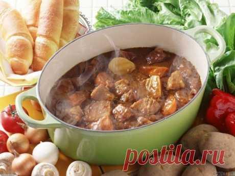 Как приготовить тушеный картофель с мясом - рецепт, ингредиенты и фотографии