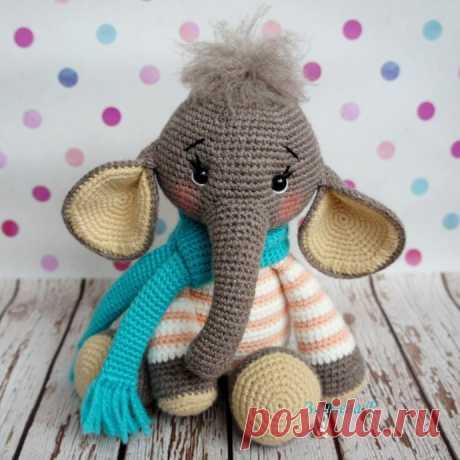 Вязаный слоненок