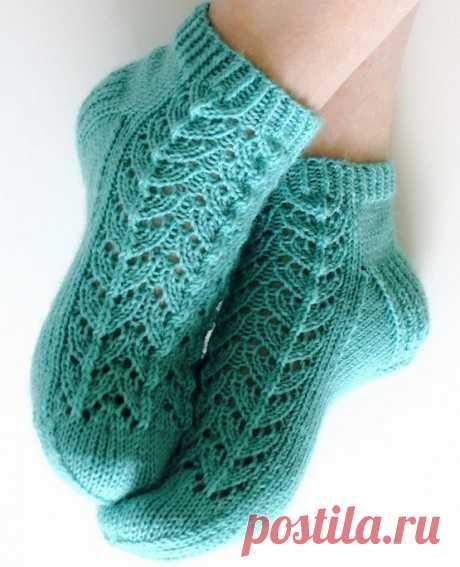 Ажурные носки с узором елочка спицами, Вязание для детей