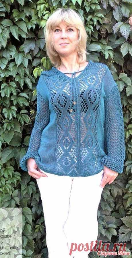 Пуловер с капюшоном и узором из ромбов. Спицы.