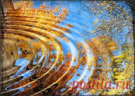 Художник, слышишь? – нарисуй нам счастье... На синем небе – нежности дыханье... Пусть люди в жизни будут лишь встречаться, Не будет места в жизни расставанью... А ветер пусть напишет серенады Из нежных слов, звучащих между ними... Лишь горя и страданий нам не надо, Пускай растает боль как снежный иней... И мы, поярче жизнь свою раскрасив, Наполним мир улыбками-штрихами... Художник, слышишь? – нарисуй нам счастье... В лазурном небе – нежности дыханье…