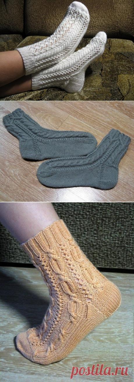 Любите вязать спицами? Тогда ловите подборку ажурных носочков!