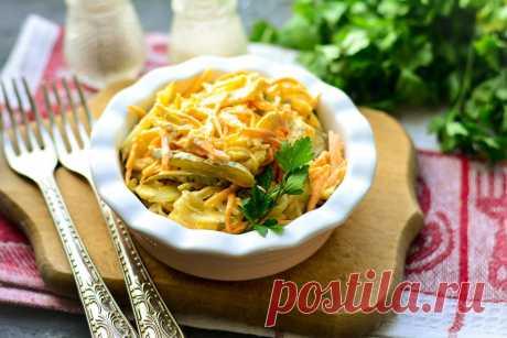"""Салат """"Лисичка"""" с корейской морковью - этот рецепт не оставит равнодушным."""