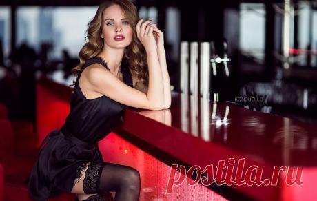 девушка у барной стойки фото — Яндекс: нашлось 17млнрезультатов