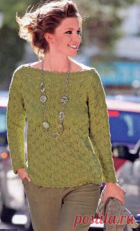 Пуловер с вырезом лодочка вязаный спицами