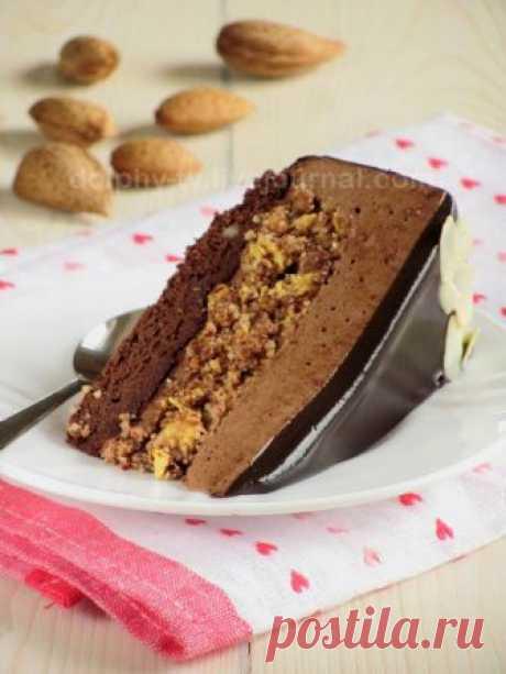 Шоколадный торт-мусс с миндальным пралине Уже не помню, какими путями пришла однажды к этому торту , но он меня впечатлил и очень захотелось попробовать. За идею автору спасибо! Здесь напишу, как делала этот торт я, потому что достаточно много изменила. Итак, торт состоит из восхитительной шоколадной основы, похожей на…