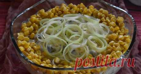 Салат с селедкой и яйцом - Со Вкусом