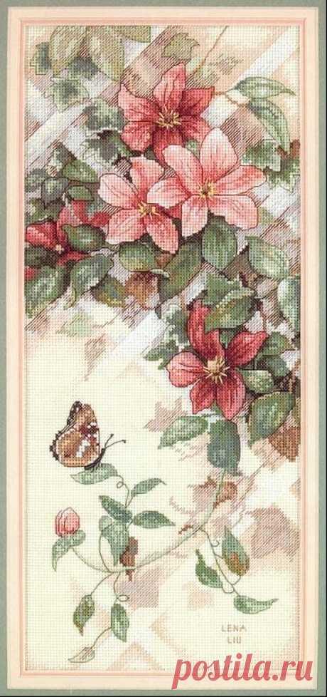 Бабочка на Клематисах Качественная вышивка: Бабочка на Клематисах, бесплатная схема вышивки крестом. На нашем сайте можно скачать бесплатно любую схему вышивки и распечатать для удобного вышивания.