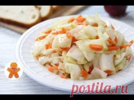 Замечательный салат из овощей по-корейски. Попробуйте приготовить! 1/2 среднего вилка капусты 2 крупные моркови 2 средние зеленые редьки 4-6 зубчиков чеснока...