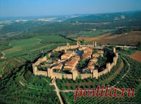 Город-крепость Монтериджони