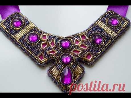 El bordado por los Abalorios adornamientos. El collar de los Abalorios.