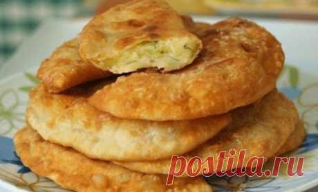 Потрясающе вкусные пирожки-лепешки с картошкой и сыром / Удивительная еда!