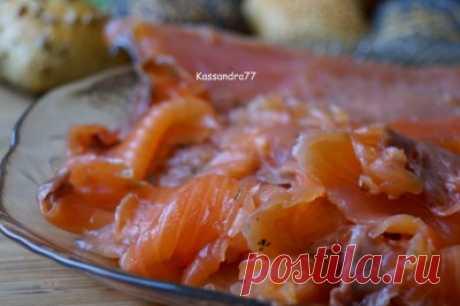 Красная рыба в маринаде(рассоле) с приправами