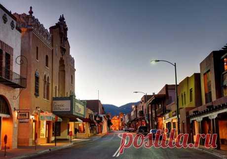Са́нта-Фе — город на юге США, административный центр штата Нью-Мексико