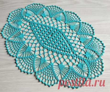 Ажурная голубая салфетка, вяжем крючком