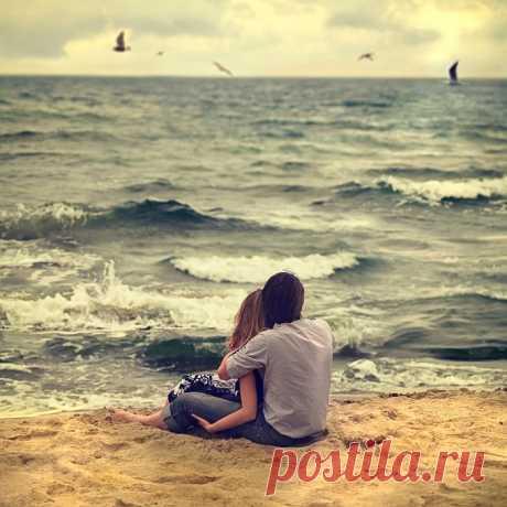 https://poembook.ru/poem/2079590-v-lyubvi-ne-mozhet-byt-somnenij