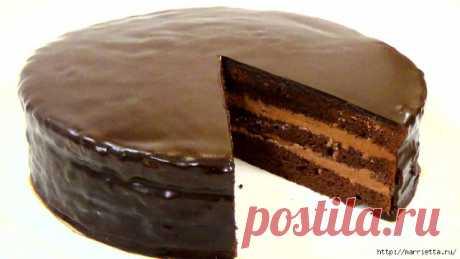 """Очень вкусный торт Прага. Пошаговый рецепт   Вкуснейший торт Прага. Рецепт   Легендарный торт """"Прага"""" по ГОСТу. В 100 г - 430 ккал.      Ингредиенты: разъемная форма диаметром 21-22 см  бисквит:  яйца куриные - 6 штук (среднего размера) сахар…"""
