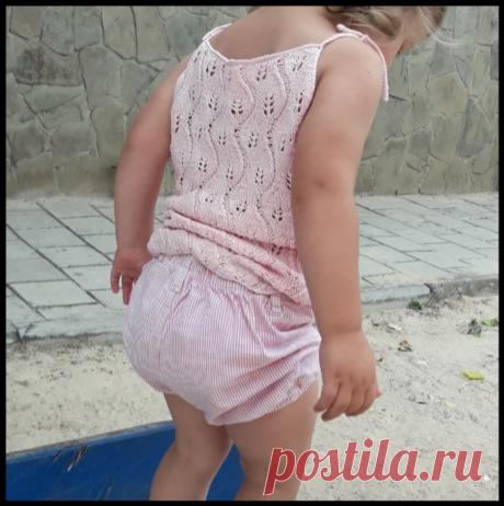 Красивая детская маечка с листочками спицами - подробный мастер-класс по вязанию