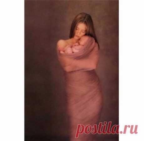 Сердце каждой мамы – Сеточка из шрамов… Каждый плач ребенка –крошечный рубец… Сбитые коленки, Кровь из пальца-венки…. Без таких отметок нет у мам сердец… Кашель и ангина, Жар у дочки, сына… Точечки ветрянки, ночи, что без сна… Кабинет зубного, Страх и слезки снова… Держит мама в сердце… Помнит все сполна… Первые обиды- Маленькие с виду… Только сердце мамы чувствует их боль… С каждым новым шрамом Жарче сердце мамы… -«Ты не бойся, крошка, я всегда с тобой.» Солнышки взрослеют, Ссорятся, болеют……