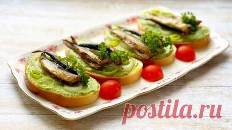 Бутерброды со шпротами за 5 минут с намазкой из соленого огурчика и сыра | Марусина Кухня | Яндекс Дзен