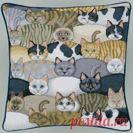 Схемы вышивки подушек с котами