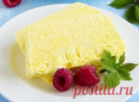 "Лимонный семифредо | Журнал ""JK"" Джей Кей Для 6 порций семифредо нам понадобятся: • 5 яичных желтков, • 150 г сахара, • 350 мл сливок 35%, •"