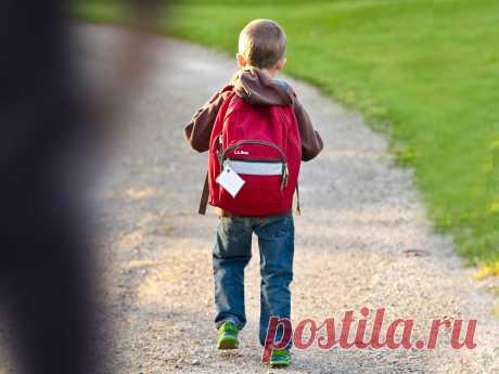 Психолог назвала 4 правила, которые уберегут детей отдействий незнакомцев. Ридус
