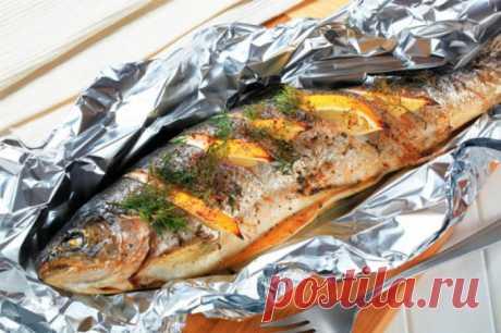 Как запечь в духовке рыбу в фольге :: Рыба в фольге в духовке :: Кулинарные рецепты :: KakProsto.ru: как просто сделать всё