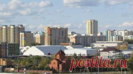Новые микрорайоны города.  Армянская церковь на улице Попова в Барнауле.