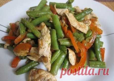 Как приготовить тёплый куриный салат  - рецепт, ингридиенты и фотографии