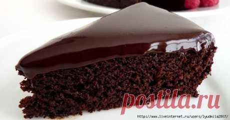 ¡El pastel (torta) húmedo de chocolate sin huevos en 30 minutos!