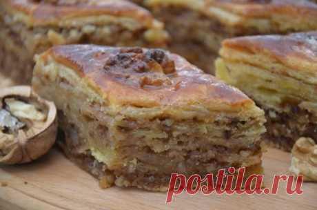 Восточная сладость «Пахлава» Пахлава – это одно из тех блюд, благодаря которым кухня Востока считается уникальным явлением.