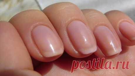 Care of nails the Iodic tray option No. 2 For strengthening of nails, is very useful an iodic tray are its part: iodine – 5 drops, water – 1 glass, food salt – ½ tablespoons. To dissolve iodine and salt in water, to lower nails in the container with mix for 15-20 minutes. After the executed procedure – grease hands and nails with fat cream.