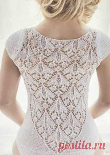 Красивый цветочный ажур   Этим узором Вы можете как связать все изделие целиком, так и часть его. Например Вы можете связать таким узором кокетку пуловера или джемпера, а остальную часть связать простой лицевой гладью.  Можно также связать таким узором часть спинки нарядного вечернего платья. Не менее красиво будет выглядеть, связанные этим ажурным узором палантин или шаль.  А что бы связали Вы таким узором?  #вязание_спицами@rukodeliamir