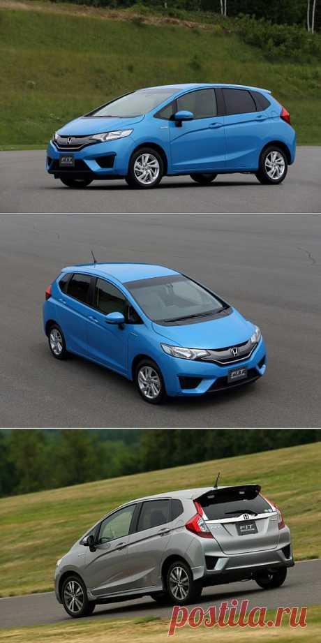 Новый Honda Jazz расходует 2,7 литра на сотню.