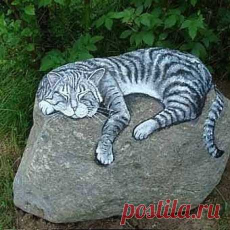 Ну чем не тигра? Рисунок на камне.
