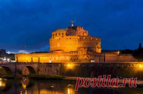 Castel Sant'Angelo By Night, Roma, Italy  |  Night Pictures of Rome, Italy Reveal Glorious Rome Tourist Attractions