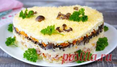 Праздничный салат с курицей и сыром на Рождество - простой рецепт приготовления