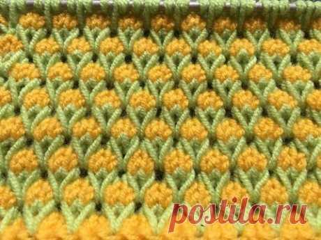 Узоры спицами. Двухцветный узор с вытянутыми петлями. Узор «Бутончики»