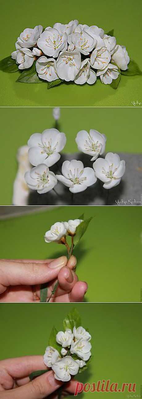 Веточка цветущей вишни из холодного фарфора - Ярмарка Мастеров - ручная работа, handmade