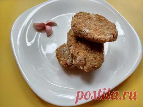 Оладьи (котлеты) из консервированной красной рыбы