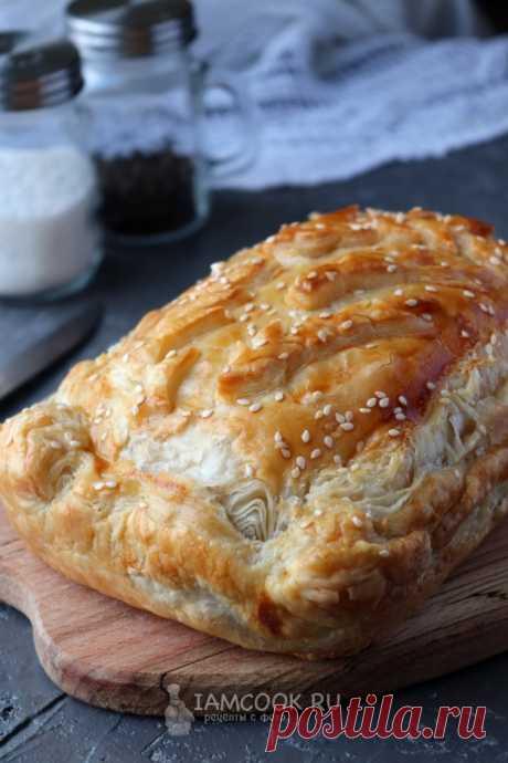 Пирог из бездрожжевого слоеного теста с капустой — рецепт с фото на Русском, шаг за шагом. Быстрый пирог с капустой из бездрожжевого слоеного теста. #рецепт #пирог #пирожок #выпечка #кчаю #чаепитие #капустный_пирог #пирог_с_капустой