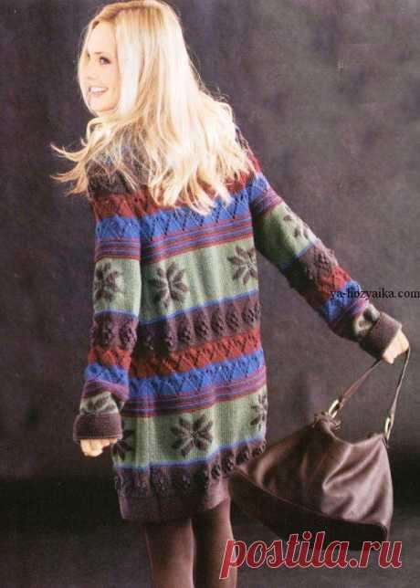 Разноцветный кардиган спицами. Женское пальто с орнаментом